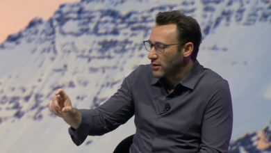 Photo of Why Middle Management is the Hardest Job   Simon Sinek