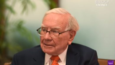 Photo of Warren Buffett shares advice on becoming successful