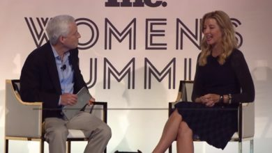 Photo of Billionaire CEO Sara Blakely Says These 7 Words Are the Best Career Advice She Ever Got