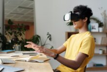 Photo of How VR is Helping HR Professionals Amidst the Pandemic